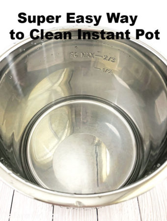 baking soda, clean with baking soda, homekeeping blogger, instant pot cleaning, love cleaning, natural way of cleaning, non scratch sponge, quick and easy cleaning using baking soda, Super Easy Way to Clean Instant Pot