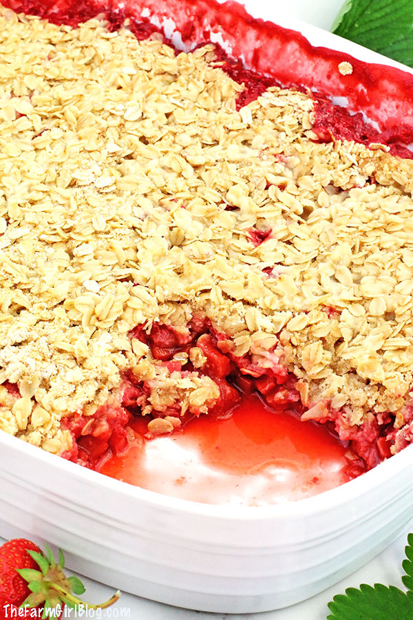 This Easy Strawberry Rhubarb Crisp Recipe is much easier to make and healthier than a pie. The crisp is loaded with homegrown strawberries and rhubarb. It topped with delicious lightly sweetened brown sugar oats crumble. It's hard to resist from this crisp made with homegrown fruit, which makes this recipe special and super tasty.
