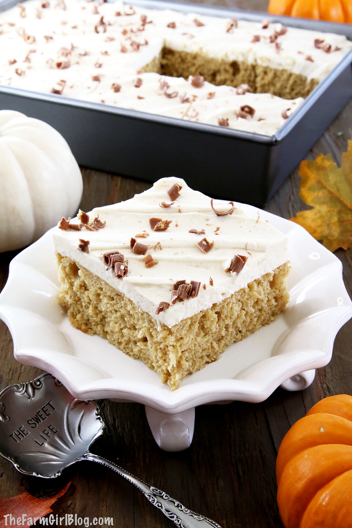 This Pumpkin Sheet Cake with Cinnamon Cream Cheese Frosting is irresistibly delicious. It's super soft and moist sponge has an incredible pumpkin flavor. Topped with a sweet and tangy cinnamon cream cheese frosting just makes this cake shine and attract pumpkin lovers! #pumpkincake #cinnamoncreamcheesefrosting #homemadepumpkinpuree #homegrownpumpkin